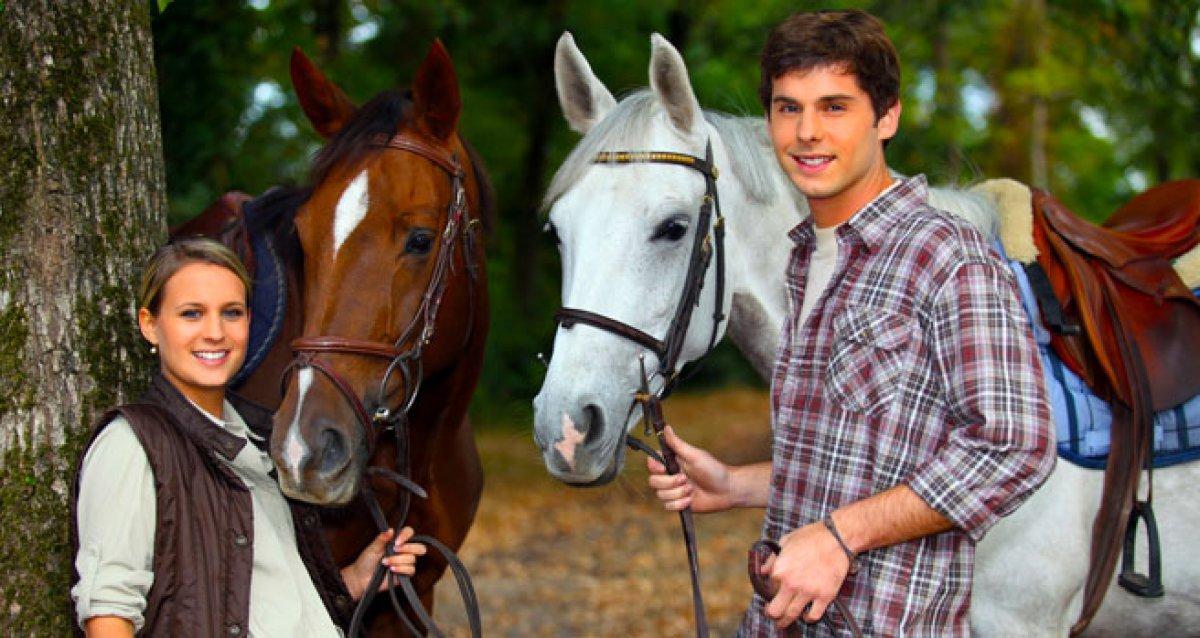 Увлекательная прогулка на лошадях!