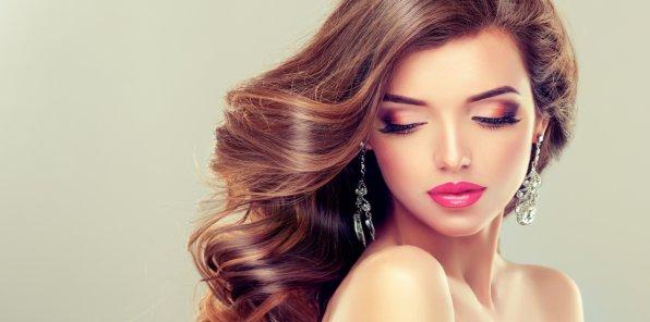 -77% на услуги для волос в салоне «Локонов»