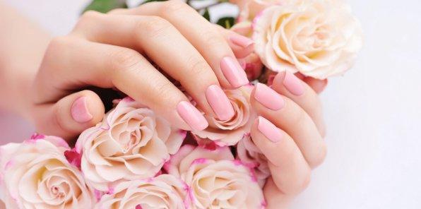 Скидки до 50% на услуги для ногтей в студии «Грейс»