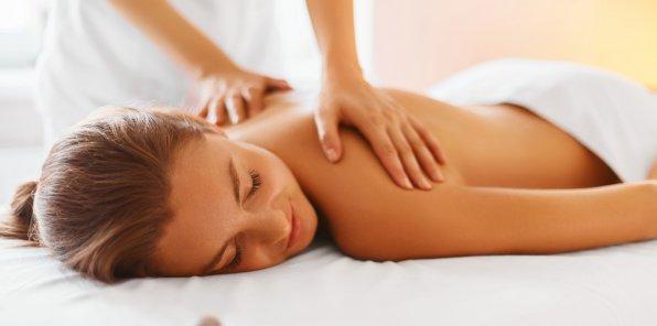 Скидки до 70% на массаж в студии «Елена»