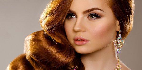 Скидки до 80% на услуги для волос в студии «Виктория»