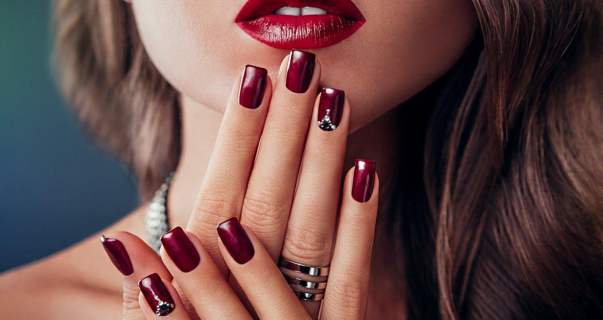 Скидки до 50% на ногтевой сервис в студии «Лемур»