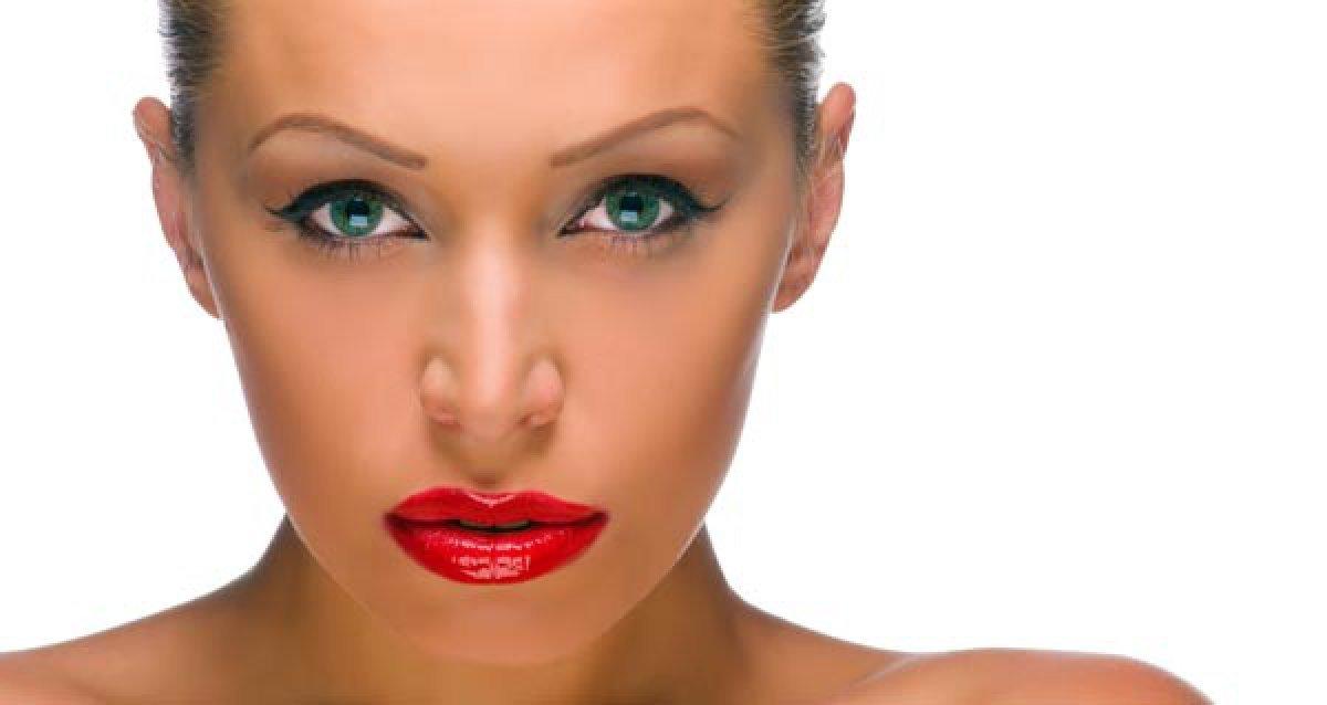 Увеличение губ или коррекция носогубных складок Restylane!