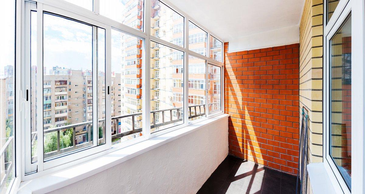 Скидки до 52% на отделку балконов и остекление