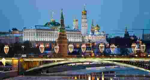Как приезжим выгодно отдохнуть в Москве