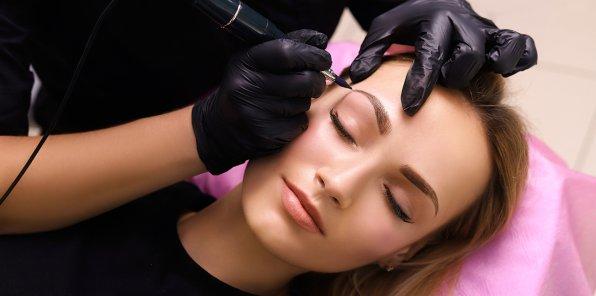 2390 р. за перманентный макияж бровей
