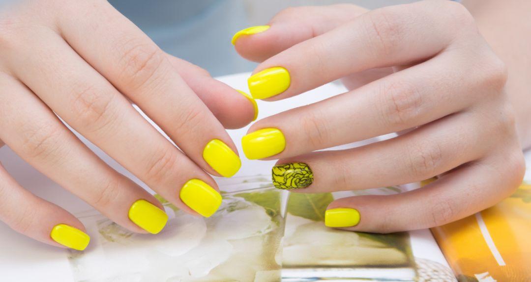 Скидки до 60% на ногтевой сервис в салоне «Мон Пари»