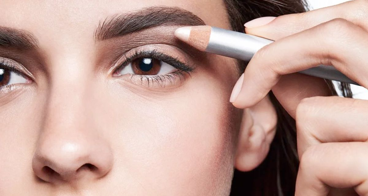 Хайлайтер для макияжа бровей