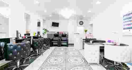"""Скидки до 50% на лазерную эпиляцию в студии красоты De""""Natella Professional Beauty Studio"""
