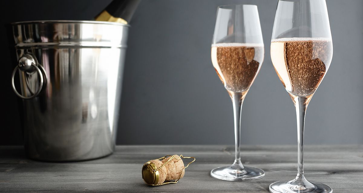 Какое игристое вино выбрать для новогоднего стола