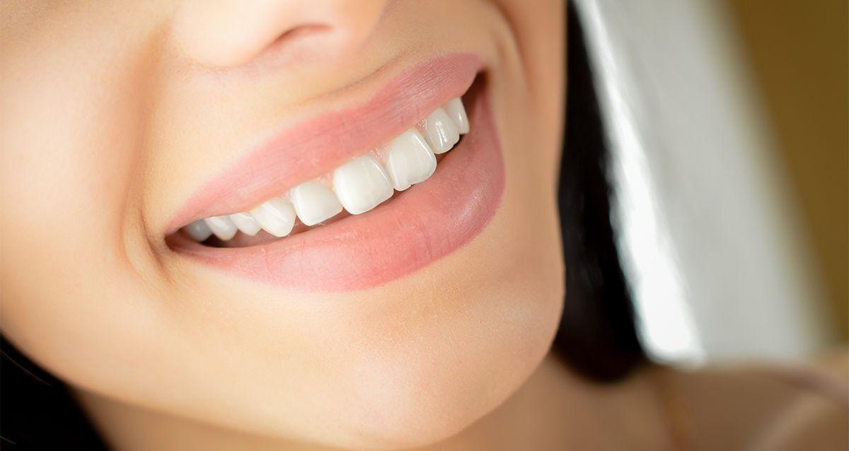 Скидки до 80% на лечение, восстановление и гигиену зубов в «Макс-Дентал»