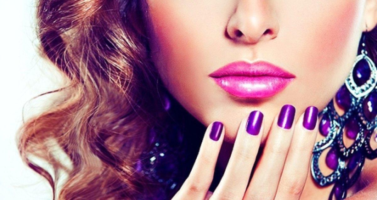 Осень — не время забывать о ногтях и волосах! Дизайн ногтей от 99 р., процедуры для волос от 199 р.!