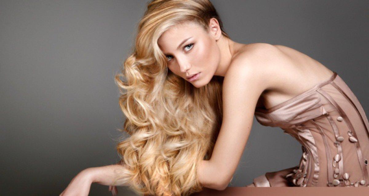 Ваши волосы будут довольны! От 1490 р. за «Счастье для волос», окрашивание и другие услуги!
