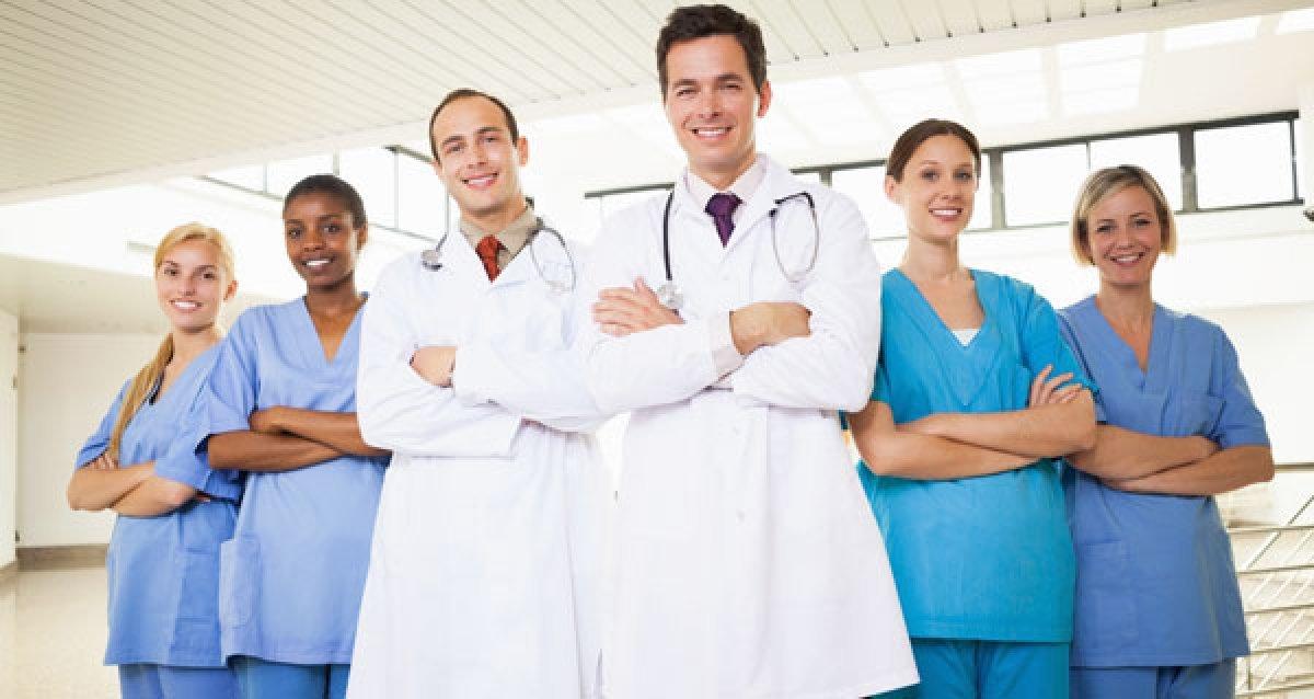Ваше здоровье в руках Premium Clinic! 600 р. за 13 основных ПЦР, прием у гинеколога или уролога и повторный прием