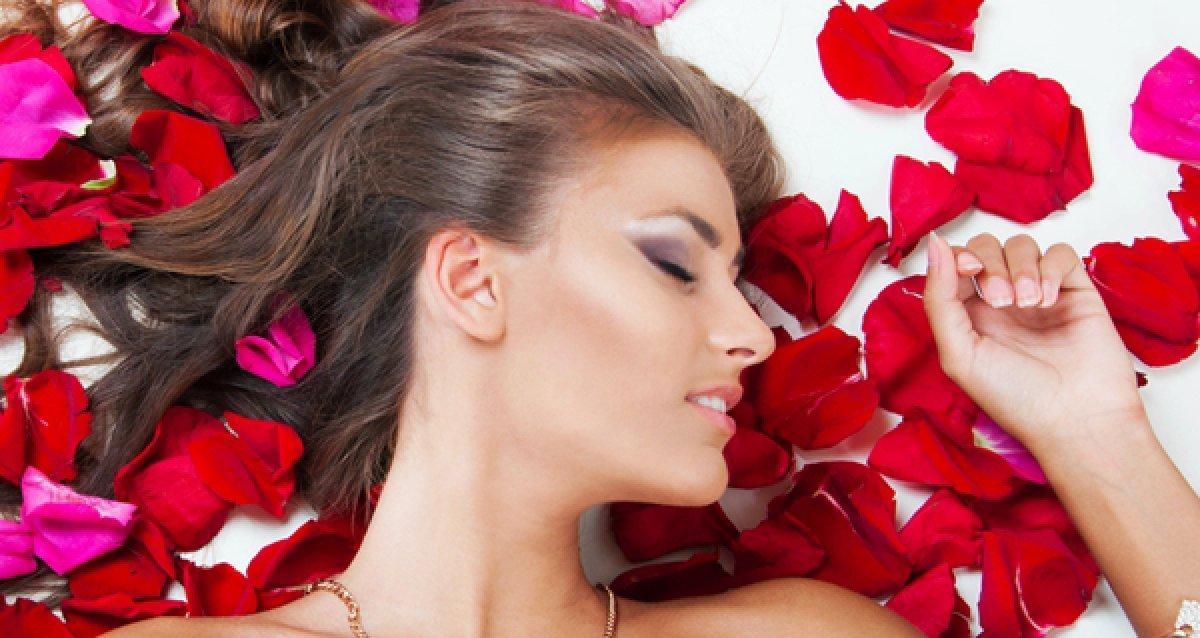 Все для красоты волос и ногтей! 590 р. за маникюр + гель-лак! Скидки до 79% на стрижки, Brazilian Blowout, педикюр и другое!