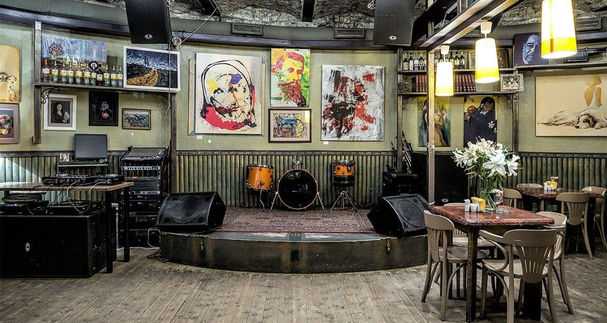 интерьер ресторана-клуба Duma Bar&Kitchen