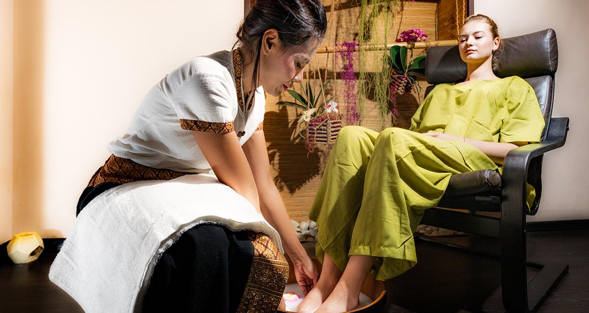 педикюр в салоне SPA Thai Seasons