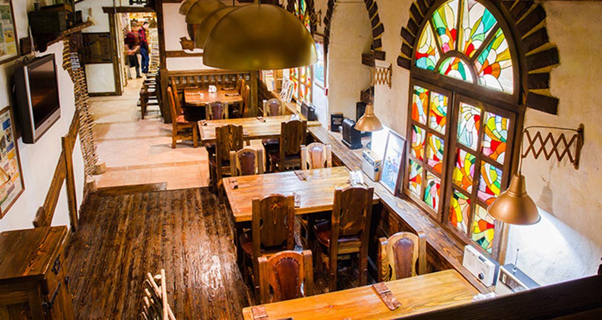 интерьер ресторана «Три перца» на Новослободской