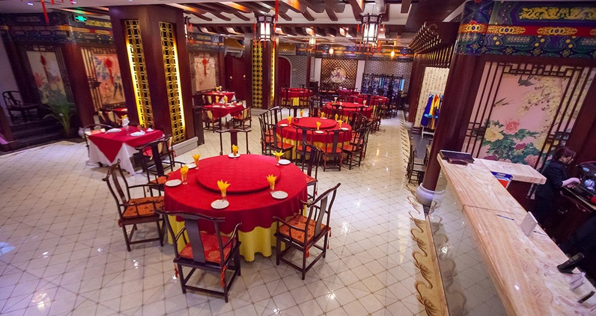 интерьер ресторана «Сад Императора»